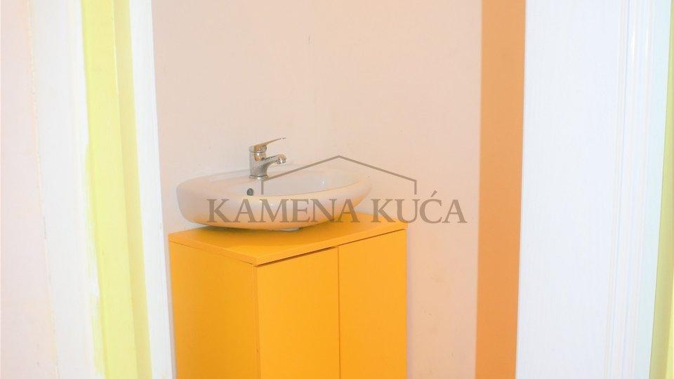 Geschäftsraum, 35 m2, Verkauf, Zadar - Bili brig