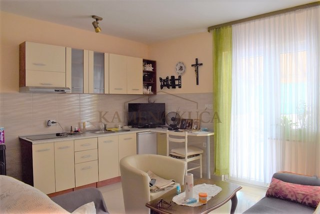 ZADAR ZERAVA - HOUSE GREAT FOR RENTAL OR NURSING HOME
