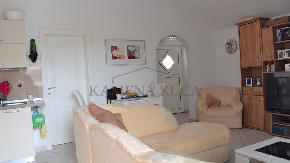 ŠIBENIK BILICE - HOUSE WITH 2 APARTMENTS, INSIDE THE BORDERS OF NP KRKA!