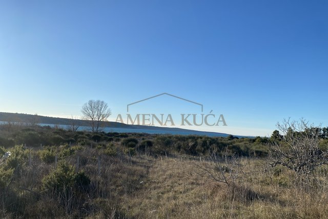 Building land Ljubac 70 m from the sea