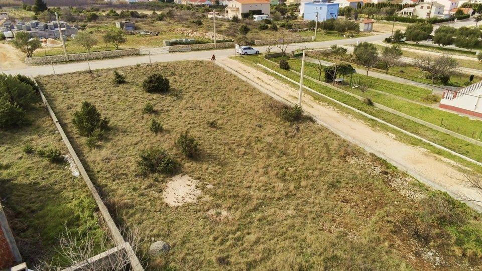 Građevinsko zemljiste* 400m od mora* Vrsi