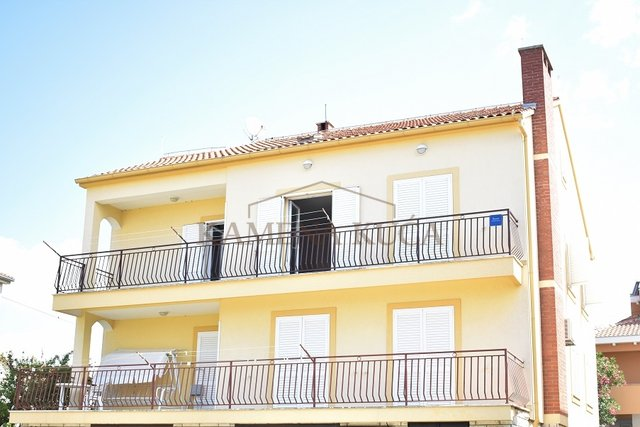 ZADAR DIKLO - HOUSE WITH 4 APARTMENTS NEAR SEA!